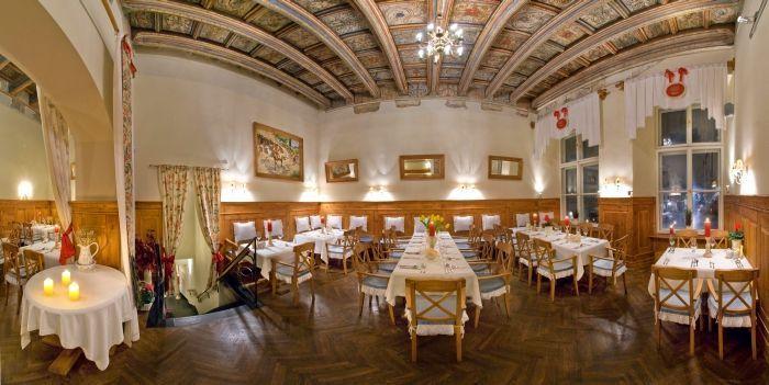 krakow_restaurant_NG.jpg